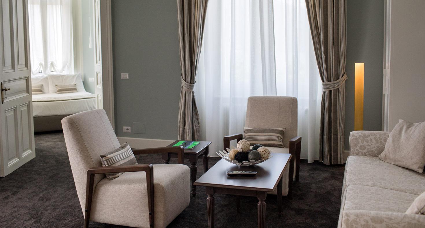 Carrara Hotel La Perla